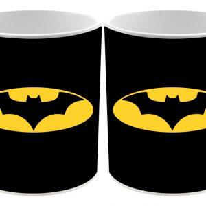 Detalle Taza cerámica fondo negro logo Bat man